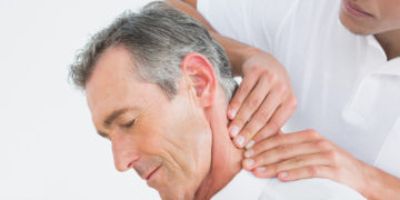 Signs You Need to See a Chiropractor for Your Neck Pain